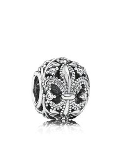 Highly textured fleur-de-lis motifs encircle this classic sterling silver charm from the PANDORA Autumn 2014 collection. Pandora Beads, Pandora Bracelet Charms, Pandora Rings, Pandora Jewelry, Charm Jewelry, Fine Jewelry, Cz Jewellery, Pandora Pandora, Pandora Autumn 2014