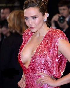Secret Realities About Women Psychology is part of Elizabeth olsen bikini - Which are the fact that actually married men neglect to know the secret spots of the spouses Read on to know some more surprising facts re Beautiful Celebrities, Beautiful Actresses, Elizebeth Olsen, Elizabeth Olsen Scarlet Witch, Olsen Sister, Haut Bikini, Ashley Olsen, Hollywood Actresses, Pretty Woman