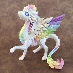 Rainbow Angel Dragon Sculpture by Dragons and Beasties Polymer Clay Kunst, Polymer Clay Kawaii, Polymer Clay Dragon, Polymer Clay Figures, Polymer Clay Animals, Polymer Clay Charms, Polymer Clay Creations, Crea Fimo, Dragon Crafts