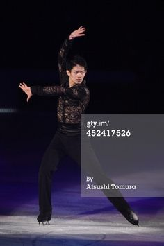 452417526-takahiko-kozuka-of-japan-performs-his-gettyimages.jpg (394×594)