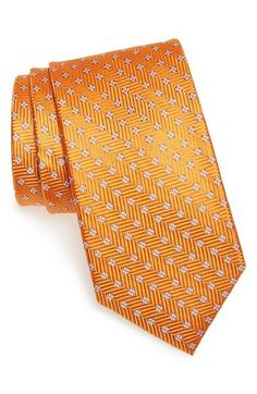 Free shipping and returns on Nordstrom Men's Shop 'Small Neat' Grid Silk Tie at Nordstrom.com. A crisp grid of floral medallions elevates a handsome, herringbone-textured tie cut from lustrous silk.