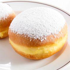 Berlines | Secretos del Chef Profiteroles, Best Dinner Recipes, Sweet Recipes, Delicious Donuts, Yummy Food, Bakery Recipes, Cooking Recipes, No Bake Desserts, Dessert Recipes