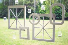 Backdrop - Area Divider - Photo props (with plain frames instead of divided)