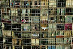 YannArthusBertrand2.org - Fond d écran gratuit à télécharger || Download free wallpaper - Détail d'un immeuble de São Paulo, Brésil (23°32' S - 46°37' O).