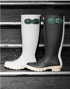 Contrast Hunter rain boots http://rstyle.me/n/f5izynyg6