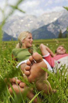 Geniet van de zomer in de bergen op Sonnenplateau Miemingen! Op een klein half uur van Innsbruck begeef je je al snel in de rustige omgeving en ontdek je het fantastische bergpanorama!