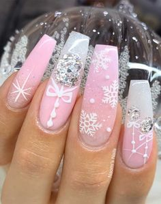Festive Nail Art Designs To Look Fab This Season Christmas Gel Nails, Pink Christmas, Christmas Nail Designs, Holiday Nails, Outdoor Christmas, Simple Christmas, Christmas Lights, Christmas Crafts, Christmas Decorations