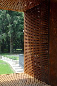 square punched corten steel - Morgue Melzo   Foto©: Michele Nastasi