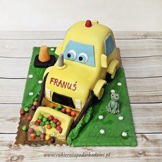 62BD Koparka z drażami M&M's.  3D digger cake.