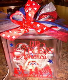 Cute of July glass blocks Vinyl Crafts, Vinyl Projects, Diy And Crafts, Arts And Crafts, Decorative Glass Blocks, Lighted Glass Blocks, Fourth Of July Decor, 4th Of July Decorations, July 4th