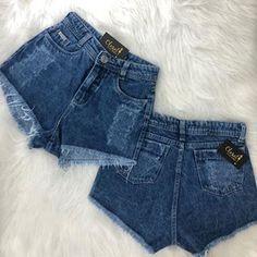 #fashionista 🔥 #lookstyle #look #lookcloset #fashionblogger #closetinspira . 💰Cropped 32,00 reais 💰#shortclochard 79,00 reais 💰mochila…