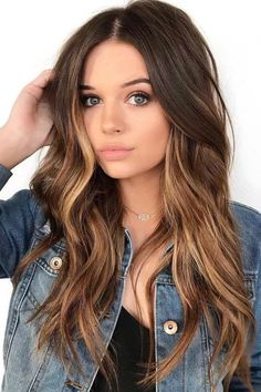 Long Wavy Ash-Brown Balayage - 20 Light Brown Hair Color Ideas for Your New Look - The Trending Hairstyle Brunette Hair Color With Highlights, Ombre Blond, Brown Ombre Hair, Brown Hair Balayage, Brown Blonde Hair, Ombre Hair Color, Light Brown Hair, Brown Hair Colors, Hair Highlights
