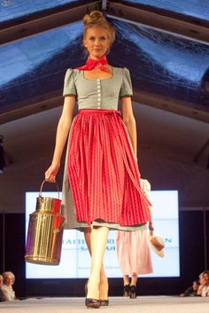 Beurle Trachten (Pracht in Tracht / Altstadt Fashion Week 30.08.12)