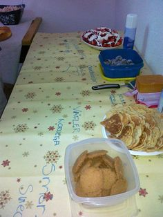 preparando la mesa para la comida internacional