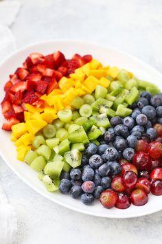 Rainbow Fruit Salad with Citrus Mint Dressing - Fruit Loops - Fruit Rainbow Salad, Rainbow Fruit, Eat The Rainbow, Paleo Vegan, Vegan Chef, Fall Soup Recipes, Brunch Recipes, Fruit Loops, Dressing For Fruit Salad