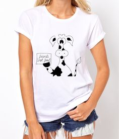Wegan t-shirt friends not food! T-shirt for woman, shirt for gift, lyric t-shirt (Available in sizes: XS to XL in two colours)    Every pattern on products is handmade by me, so you have a guarantee higt quality.  Each product is packaged in a decorative, handmade box - that great idea for gift.    How can you wash t-shirt?  - machnine wash warm  - don't bleach  - iron inside out  - don't dry clean      This ladies T-shirt is available in sizes Extra Small, Small, Medium, Large and Extra…