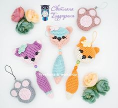 In this free crochet tutorial by Svetlana Budarina at AmiguroomToys, you can learn how to crochet this adorable fox bag charm in amigurumi ! This sweet amigurumi fox bag charm is sure to bring a smile to any face! This amigurumi fox bag charm . Crochet Fox, Crochet Mignon, Crochet Teddy Bear Pattern, Crochet Patterns Amigurumi, Cute Crochet, Crochet Dolls, Crochet Keychain Pattern, Fox Bag, Bead Sewing