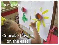 Cupcake flower easel painting or painting prompt Preschool Flower Theme, Preschool Garden, Preschool Projects, Preschool Crafts, Spring Theme, Spring Art, Spring Crafts, Spring Activities, Preschool Activities