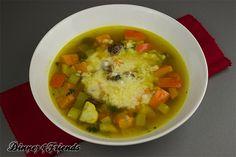Für alle, die Kürbis mal anders möchten: Klare Kürbissuppe mit Maroni