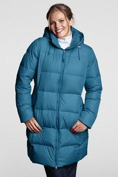 Love the simplicity and practicality of this winter coat for playground and pickup line duty as well as dog walking and such. Nice in the bright teal. Like the black, too.