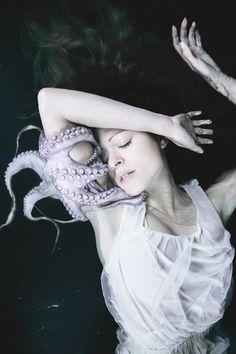 http://darkbeautymag.tumblr.com/post/128039597387/photographer-mira-nedyalkova-model-jessica-de