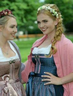 Oktoberfest Outfit, German Girls, German Women, Folk Costume, Costumes, Dirndl Dress, Wind Of Change, People Of The World, Traditional