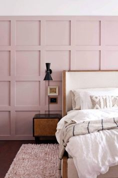 11 Cool Pink Bedroom Ideas That Can be Pretty - All Bedroom Design Small Room Bedroom, Bedroom Sets, Home Decor Bedroom, Modern Bedroom, Girls Bedroom, Bedroom Alcove, Bedroom Wall Panels, Diy Modern Bed, Plum Bedroom