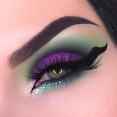 Swayze on So after yesterday s Jafar look, I decided to revisit the Disney Villain eye makeup idea. I know it s been done a million times but it s Disney Villains Makeup, Disney Eye Makeup, Maleficent Makeup, Disney Inspired Makeup, Eye Makeup Art, Makeup Inspo, Eyeshadow Makeup, Makeup Inspiration, Eye Art