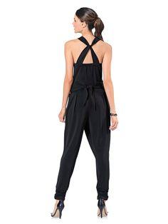 Collections Mode helline · Combinaison noire femme fluide dos drapé  Combinaison Noire, Mode Élégante, Bretelles, Chemisier, af5e267ee254