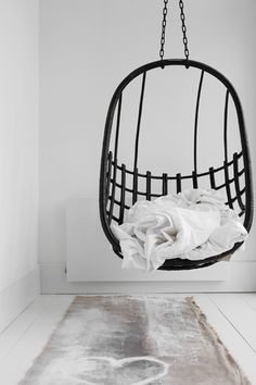 i n t e r i o r s : #hangingchair #interiordesign