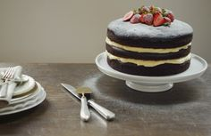 Naked Cake Creme de Confeiteiro: 1 litro de leite integral 6 gemas 2 colheres (sopa) de manteiga 1 xícara (chá) de amido de milho 1 ¼ de xícara (chá) de açúcar 2 colheres (chá) de essência ou extrato de baunilha