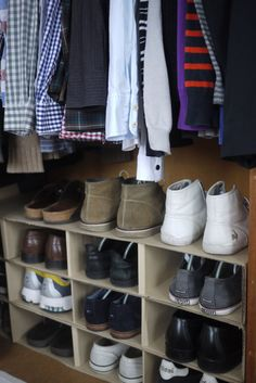 IKEA Hackers: Shoe rack in a box  What a cool idea...I will just stack up my shoe boxes!