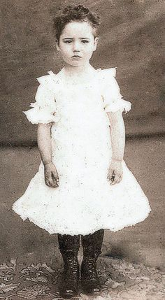 Love this photo and the shared info about Ruby. Vintage Children Photos, Images Vintage, Children Images, Vintage Girls, Vintage Pictures, Old Pictures, Vintage Postcards, Old Photos, Antique Photos