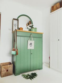 hurdal w scheschrank gr n w sche schr nkchen und. Black Bedroom Furniture Sets. Home Design Ideas