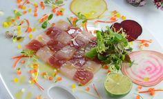 Scacchiera di tonno e pesce spada con cristalli di verdure miste