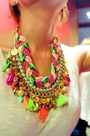 Jewelry Crafts, Jewelry Art, Handmade Jewelry, Fashion Tips For Women, Diy Fashion, Beaded Earrings, Beaded Bracelets, Bead Studio, Fabric Jewelry