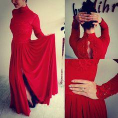 #couturefashion #mihradesign #uniquedresses #reddress #custommade #ladyinred #crystals #dressoftheday  #shopping #kupovina #narudzbe   http://bit.ly/2bQaaAI