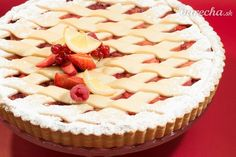 Jahodovo-rebarborová mriežkovaná torta Cheesecake, Pie, Desserts, Food, Basket, Torte, Tailgate Desserts, Cake, Deserts