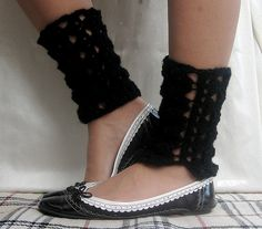 Lacy Ankle Warmers by Mel P Designs, via Flickr