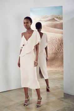 See the complete Cushnie et Ochs Pre-Fall 2017 collection. @sommerswim