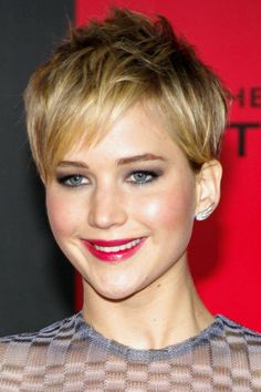 Short Hairstyles with Bangs For Women - Cool Global Hair Styles 2019 Trending Hairstyles, Pixie Hairstyles, Pixie Haircut, Hairstyles With Bangs, Cool Hairstyles, Hairstyle Short, Gorgeous Hairstyles, Edgy Long Hair, Short Hair With Bangs