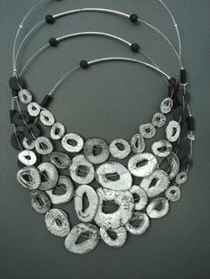 """fr (artist créatrice designer : karin stegmaier) _ """" I work in the field of ceramics and glass since since (collection bijoux collier style métal argent) silver necklace jewelry Funky Jewelry, Black Jewelry, Metal Jewelry, Jewelry Art, Silver Jewelry, Jewelry Design, Porcelain Jewelry, Ceramic Jewelry, Ceramic Beads"""
