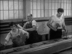 """Breve spezzone del film """"Tempi Moderni"""" (1936) di Charlie Chaplin, significativo sulla vita dell'operaio."""
