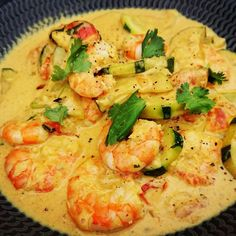 Healthy meals for dinner easy meals ideas free Easy Healthy Dinners, Healthy Dinner Recipes, Batch Cooking, Cooking Recipes, Shrimp Coconut Milk, Curry Coco, Entrees, Stuffed Peppers, Ethnic Recipes