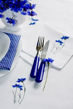 Galeria Dekodom - haftowane zazdrostki,obrusy, serwetki.: Dekoracja stołu na…
