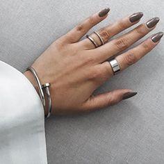 Classy Silver Clasp Bangle #fashiontrends #fashionista -  19,90 € @happinessboutique.com