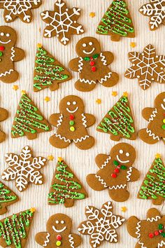 Gingerbread Cookies - a Christmas cookie must! Soft and utterly delicious!!