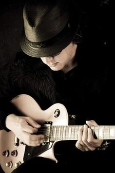 Joe Bonamassa, one of the best guitarists i know..