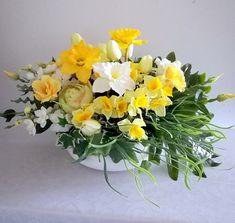Casket, Greenery, Floral Wreath, Wreaths, Diy, Plants, Home Decor, Sprays, Atelier