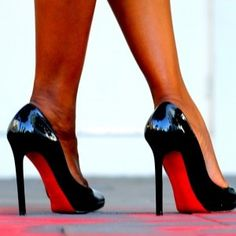 9 Must-Know Tips For Walking in Heels 101 Fashion Tips fd791cb68a4c